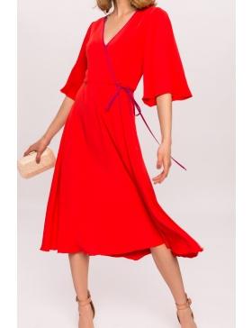 Rochie cu garnitura contrastanta