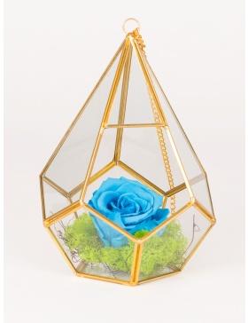 Vas de sticla in forma de diamnat cu trandafir conservat