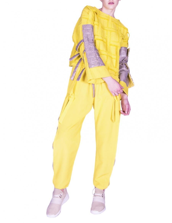 Pantaloni sport galbeni cu transparențe