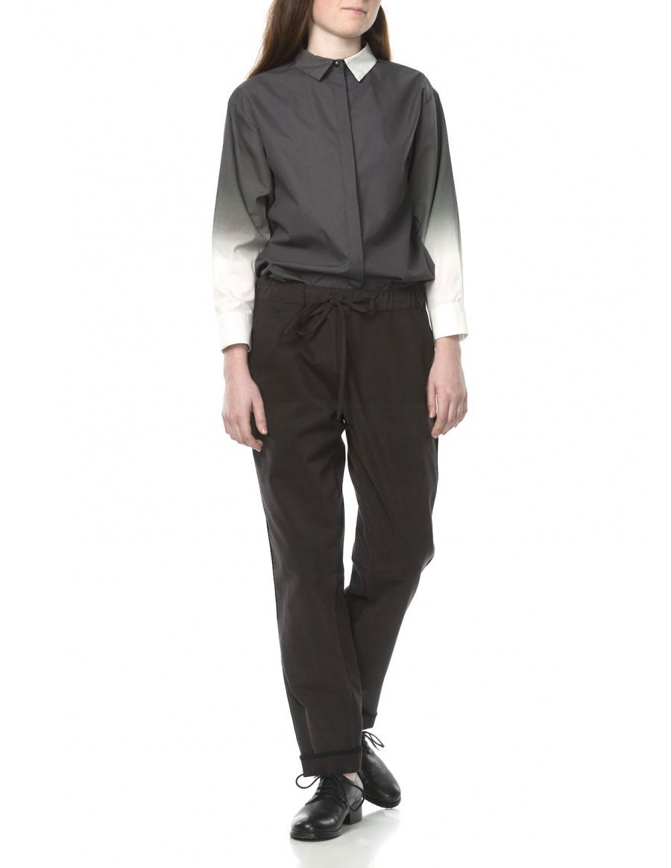 Pantaloni cu vipusca