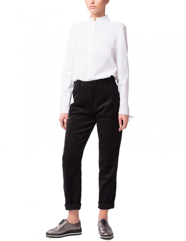 Pantaloni negri din catifea reiata