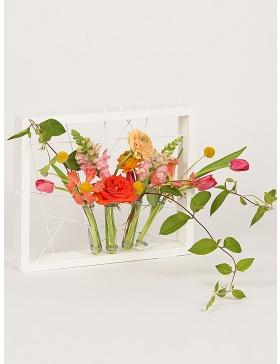 Rama alba cu eprubete pentru flori