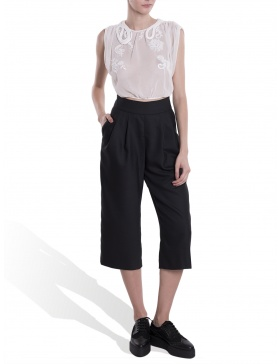 Pantaloni cu talia inalta